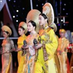 """Đỗ Mỹ Linh mang hương sắc """"trầm"""" huyền ảo và mê hoặc tại Lễ hội trầm hương Khánh Hòa"""