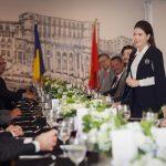 Lý Nhã Kỳ trang trọng đón tiếp phái đoàn ngoại giao châu Âu