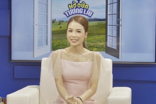 """MC Quyền Linh gửi lời cảm ơn tới Sam khi tham gia """"Mở cửa tương lai"""""""