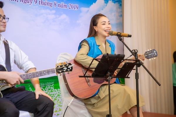 Trà Ngọc Hằng làm đại sứ Hội Phụ nữ Từ thiện TP.HCM