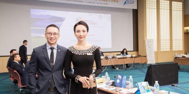 Ngọc Diễm khéo léo quảng bá văn hóa Việt qua áo dài