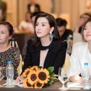 """Tình ngang trái của Cao Thái Hà trong """"Bán chồng"""""""