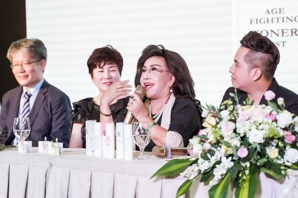 Mỹ phẩm Hàn Quốc lấy ý tưởng từ tên nghệ sĩ Lệ Thủy