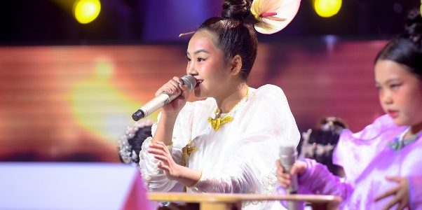 """Khánh An """"được lòng"""" fans giành vé vào chung kết The Voice Kids"""
