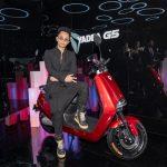 Phương Ly – Rhymastic mang xe điện Yadea G5 lên sân khấu ra mắt MV