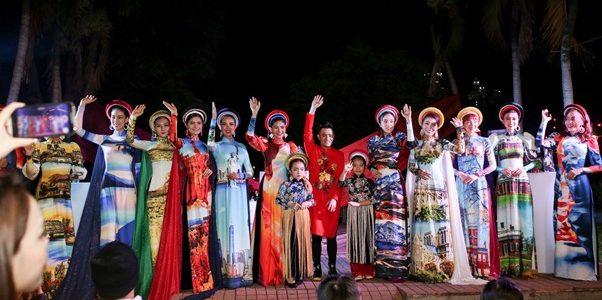 Hoa hậu Kim Nguyên, Linh Huỳnh diện áo dài ghé thăm gian hàng Trần Gia tại lễ hội 'Hò Dô'