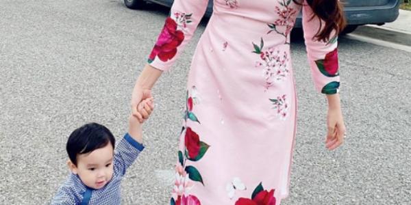 Phạm Hương và con trai diện áo dài bên xe sang