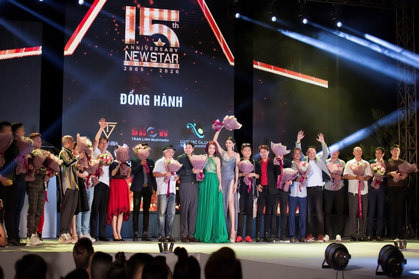 Hơn 100 nghệ sỹ cùng NewStar Corporation chào năm mới 2020