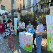 CEO Ngọc Nữ tặng 20.000 chai nước rửa tay cho mọi người