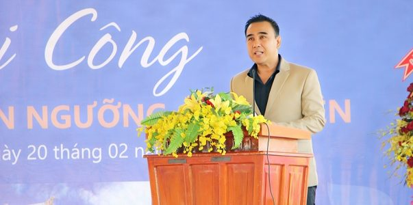 Hồ Lệ Thu đến chúc mừng Quyền Linh khởi công xây dựng Khu văn hóa