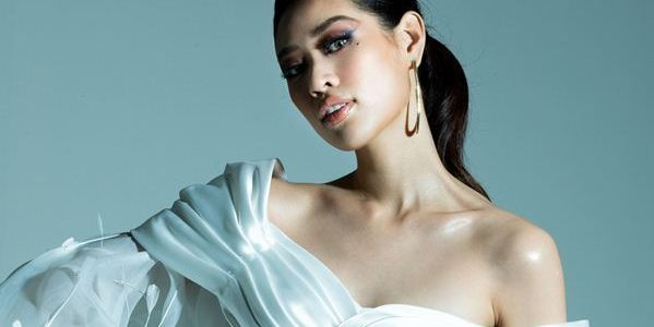 Hoa hậu Khánh Vân thần thái rạng ngời trong bộ ảnh mới