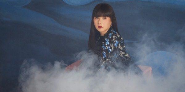"""Hoa hậu Hằng Nguyễn """"Liêu trai"""" cùng trang phục Võ Công Khanh"""