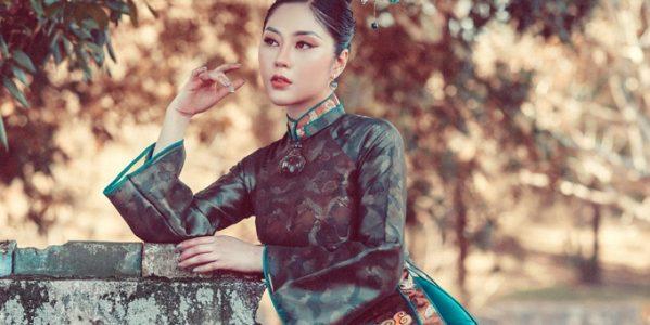 Hoa hậu Tô Diệp Hà diện áo dài trong bộ ảnh mới