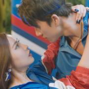 Bích Phương chào hè cùng màn khoe dáng nóng bỏng trong MV mới