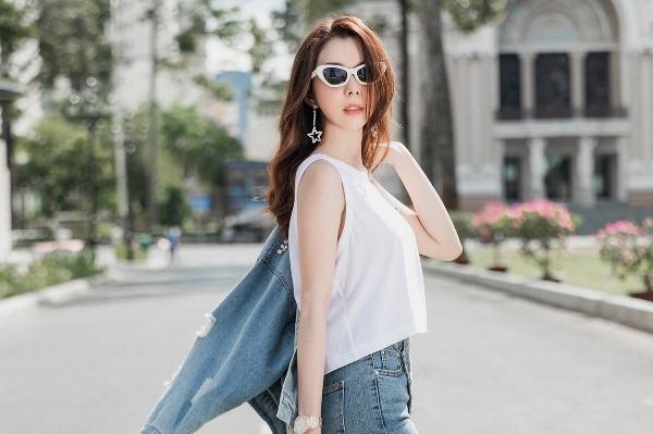 Huỳnh Vy chọn trang phục hợp mốt xuống phố ngày hè