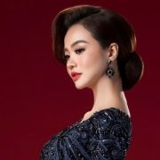 Kiều Ngân hóa quý cô quyền lực với áo dài Minh Châu
