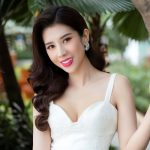 Hoa hậu Dương Yến Nhung khoe vẻ đẹp thanh lịch, khả ái