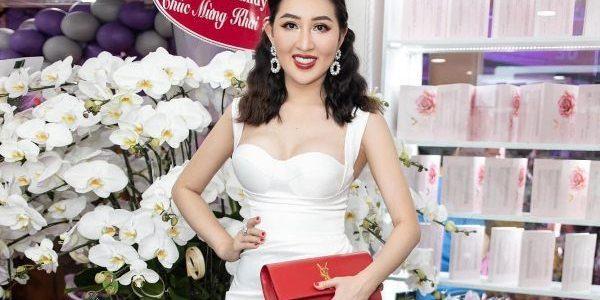 Hoa hậu Huỳnh Thúy Anh lộng lẫy khoe nhan sắc tại sự kiện