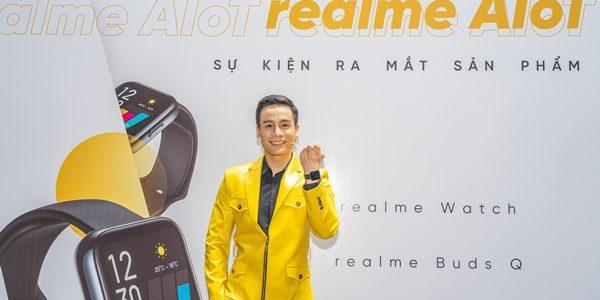 Nam vương Cao Xuân Tài làm MC cầm trịch họp báo Realme C11