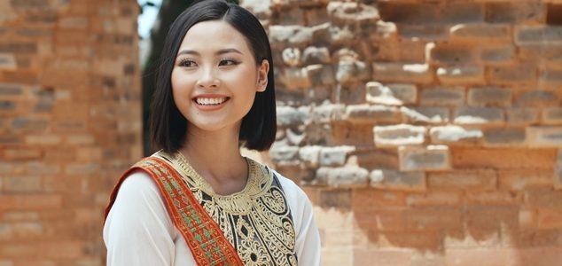 Đào Thị Hà đại diện quảng bá lễ hội văn hoá dân gian Khánh Hoà