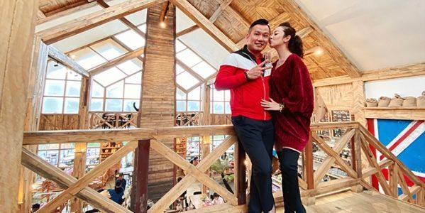 Vợ chồng Jennifer Phạm ngọt ngào ở Đà Lạt