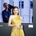Lan Ngọc diện váy ánh kim dự sự kiện công nghệ