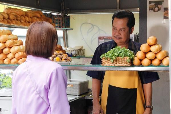 Bánh Mì Ông Màu lấy cảm hứng từ cuộc đời Color Man Bửu Điền