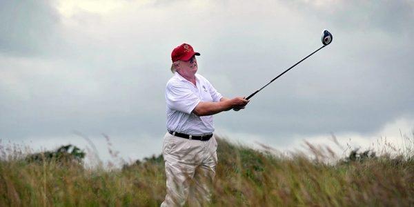 Sân golf của Trump lỗ hơn 315 triệu USD