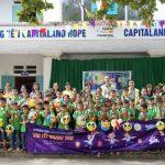 Hơn 1.400 học sinh trường CapitaLand Hope nhận quà và học bổng
