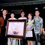Hơn 600 triệu quyên góp hướng về miền Trung trong đêm nhạc Hội Chân tình