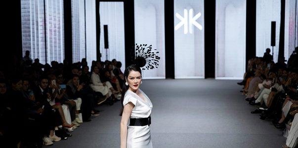 Lý Nhã Kỳ diễn vedette trong show của NTK Thanh Huỳnh