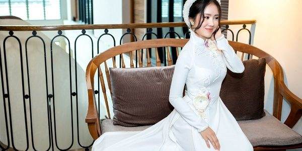 Lộ diện mỹ nhân đầu tiên góp mặt trong show diễn NTK Minh Châu