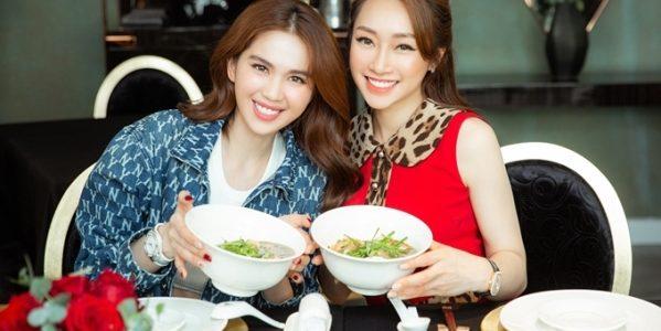Bạn gái Chi Bảo nấu phở gà đãi Ngọc Trinh