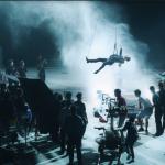 MV Chúng ta của hiện tại: Sơn Tùng M-TP treo người trên dây để quay xuyên đêm