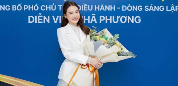 Nhã Phương lên chức phó chủ tịch