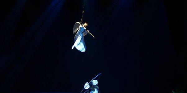 Thế giới nước – Show diễn đầu tiên sử dụng hiệu ứng hình ảnh 3D trên nhiều lớp màn sân khấu