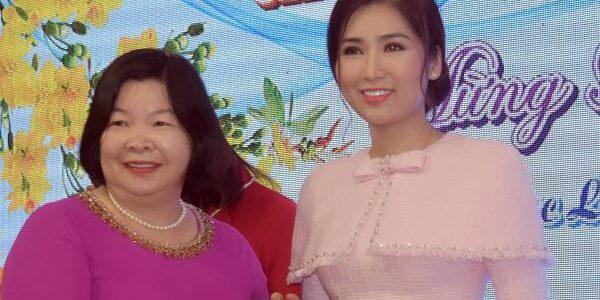 """""""Hoa hậu cải lương"""" Như Huỳnh được tuyên dương cá nhân thành tích cao tỉnh Bạc Liêu năm 2020"""