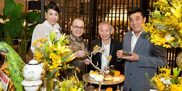 Hà Kiều Anh trổ tài làm MC tại sự kiện doanh nhân Dương Quốc Nam