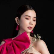 """Huỳnh Vy khoe vẻ đẹp tựa """"tiên nữ giáng trần"""" đón xuân Tân Sửu 2021"""