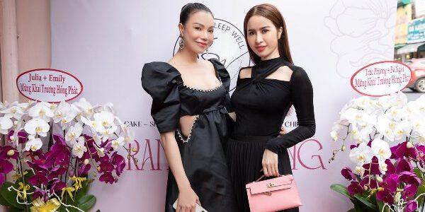 Trà Ngọc Hằng khai trương cửa hàng thời trang kết hợp ăn uống cho mẹ và bé