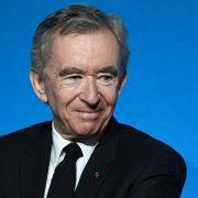 Ông chủ Louis Vuitton vượt Jeff Bezos thành người giàu nhất thế giới