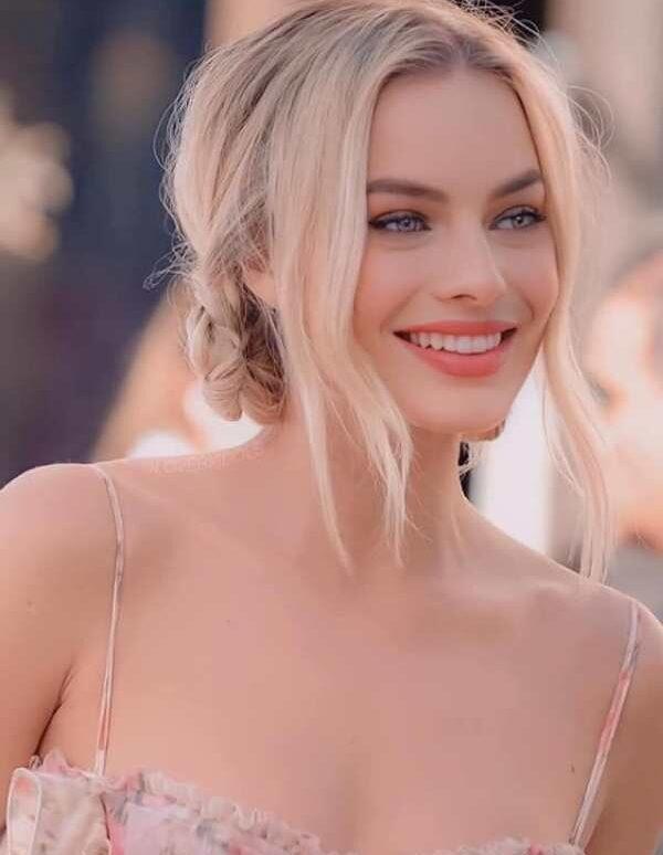 Margot Robbie – mỹ nhân gợi cảm đến từ nước Úc