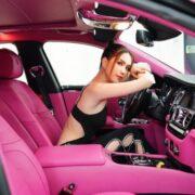 Ngọc Trinh 'độ' xe siêu sang phong cách 'Black Pink'