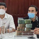 Sao Việt ủng hộ chống Covid-19