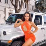 """""""Mỹ nhân fitness"""" Bi Mat body đồng hồ cát nóng bỏng hết nấc bên Jeep khủng"""
