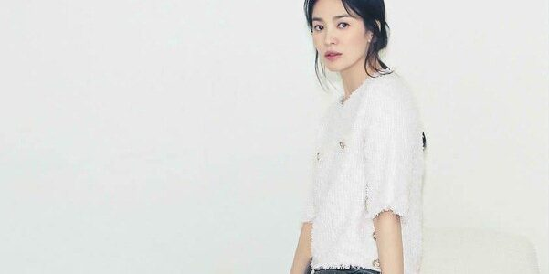 Song Hye Kyo hóa quý cô công sở