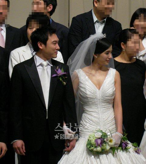 Hôn nhân đẹp như mơ của 'búp bê Hàn' Han Chae Young